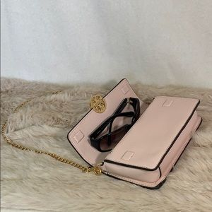 Tory Burch Bags - Tory Burch Chelsea Chain Pouch in Pink